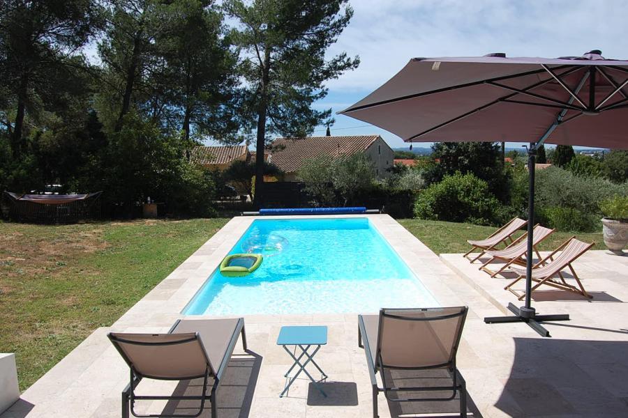 Photo Travertin extérieur autour d'une piscine