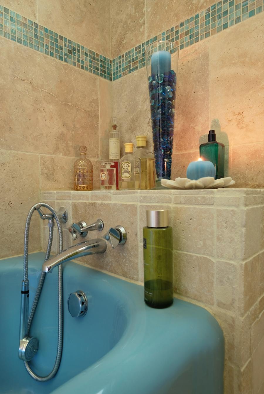 Photo Travertin intérieur salle de bain 15x15 ou 10x10cm