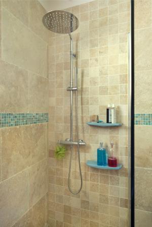 Photo Salle de bain, douche sol et mur en Travertin